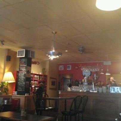 6/1/2012 tarihinde Daniel O.ziyaretçi tarafından Café Lézard'de çekilen fotoğraf