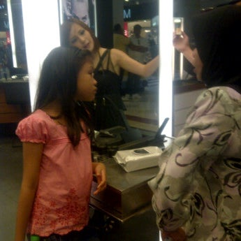 Photo taken at MAC Cosmetics by Shybell A. on 1/7/2012