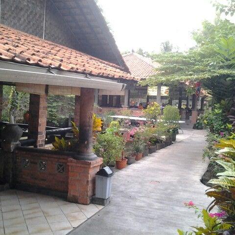 Photo taken at Pondok Laras by ranran k. on 9/13/2012