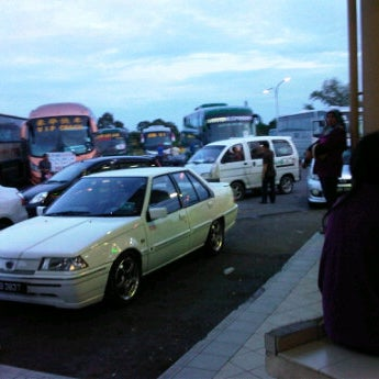 Photo taken at Kuching Bus Terminal by solihin_ s. on 1/20/2012