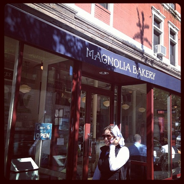 Photo taken at Magnolia Bakery by Marcelo M. on 9/11/2012