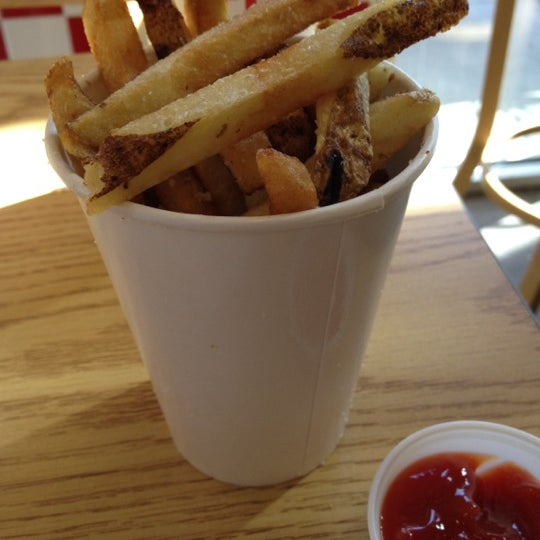 Photo taken at Five Guys by Raymond F. on 8/9/2012