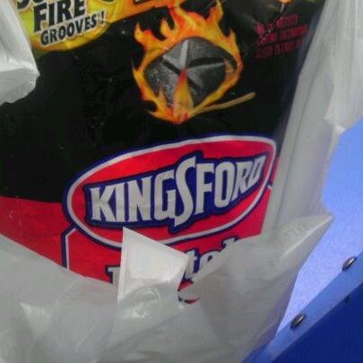 Photo taken at Walmart Supercenter by Yudelca M. on 10/16/2011