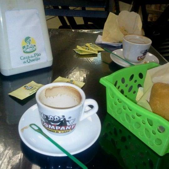 Photo taken at Company Vídeo & Café by Rodrigo V. on 10/9/2011