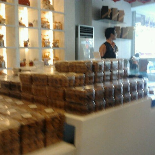 Photo taken at Clairmont Patisserie by Dandun W. on 8/30/2011