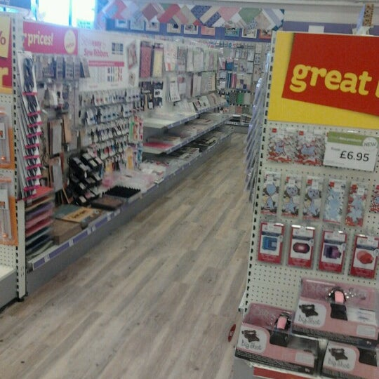 Hobbycraft arts crafts store for Art n craft store