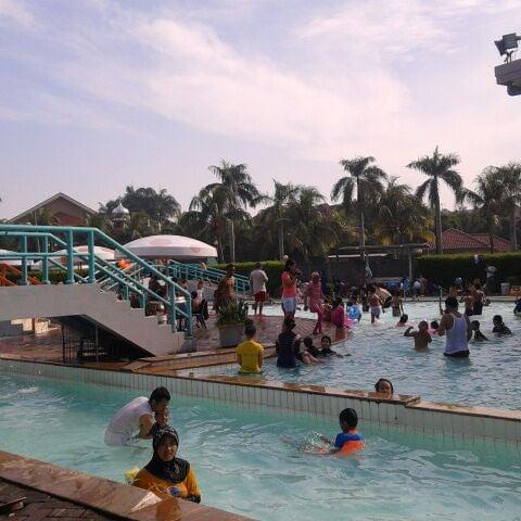 foto di kolam renang palem indah duren sawit jakarta
