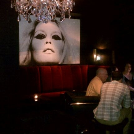 Photo taken at Paramount Bar and Grill by CJ G. on 6/9/2011