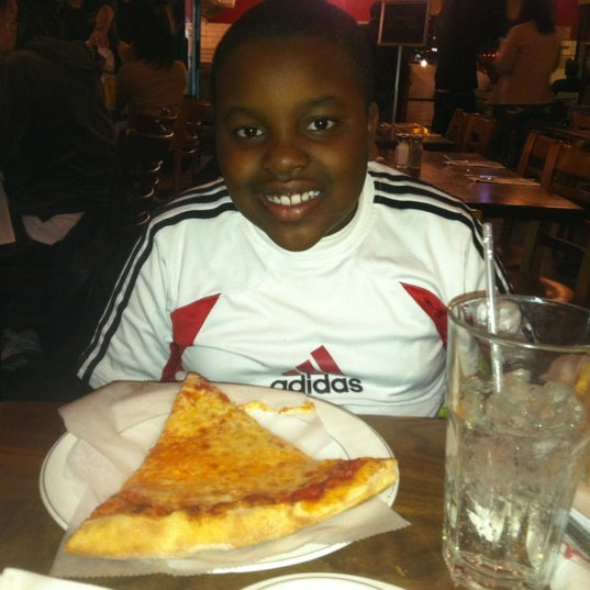Photo taken at Giovanni's Restaurant by Sharone R. on 4/9/2012