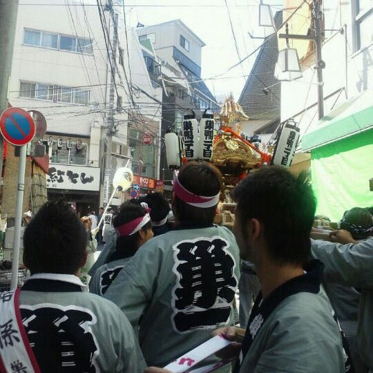 Photo taken at 大塚天祖神社 by ring2chang on 9/18/2011