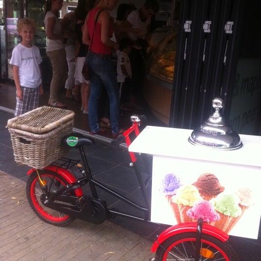Photo taken at Luciano's ijssalon by Natasja W. on 8/20/2012