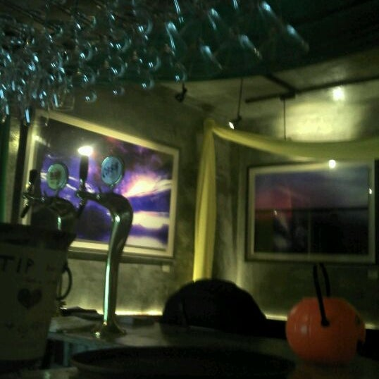 Photo taken at Hera's by Won Cheol Y. on 11/18/2011