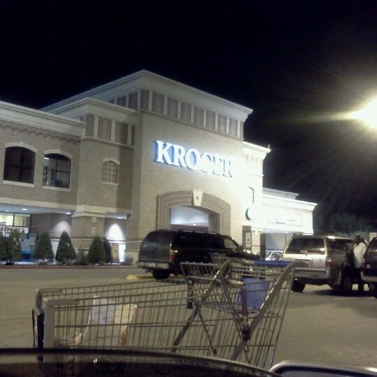 Photo taken at Kroger by Kary T. on 12/4/2011