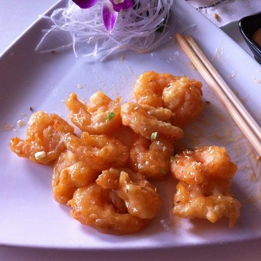 Photo taken at Blu Sushi by Vannapha T. on 7/12/2012
