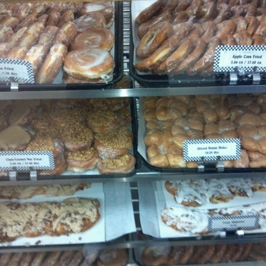 Photo taken at Long's Bakery by Bill-Bill on 6/17/2012
