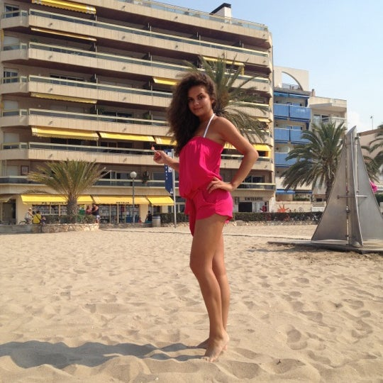 Photo taken at Platja de Calafell by Aa S. on 7/23/2012
