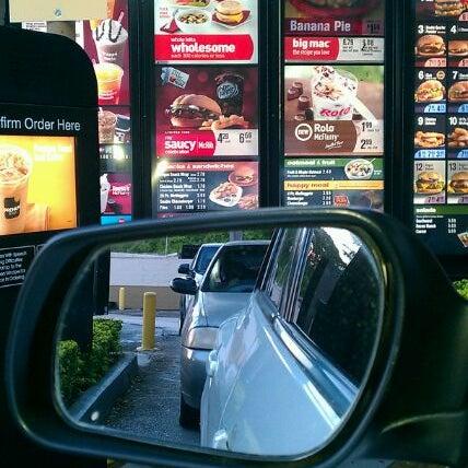 Photo taken at McDonald's by Iris U. on 11/16/2011