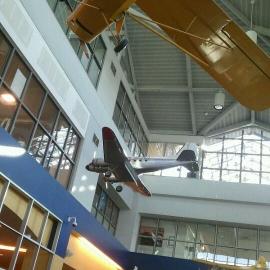 Photo taken at Westchester County Airport (HPN) by Charley Y. on 1/19/2012