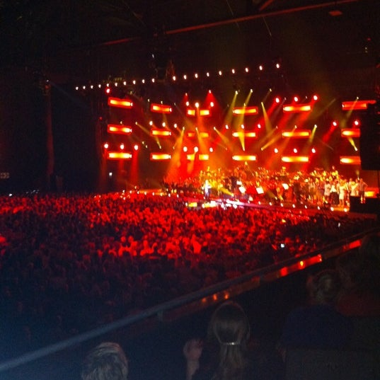 Photo taken at Heineken Music Hall by Birgitte D. on 10/6/2011