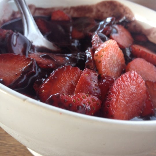 Photo taken at Tribus Açaí by Momo L. on 6/12/2012