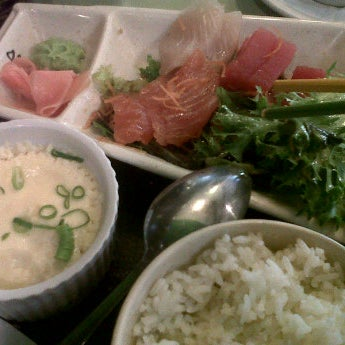 Photo taken at Gigi Sushi Bar by Chayaporn S. on 5/8/2012
