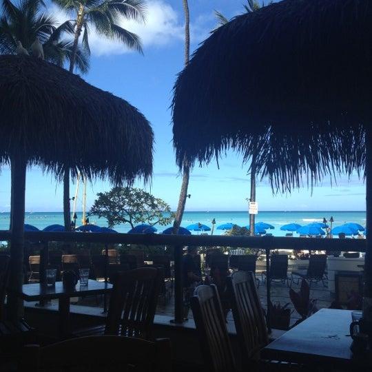 Photo taken at Duke's Waikiki by Albie Vas V. on 7/10/2012