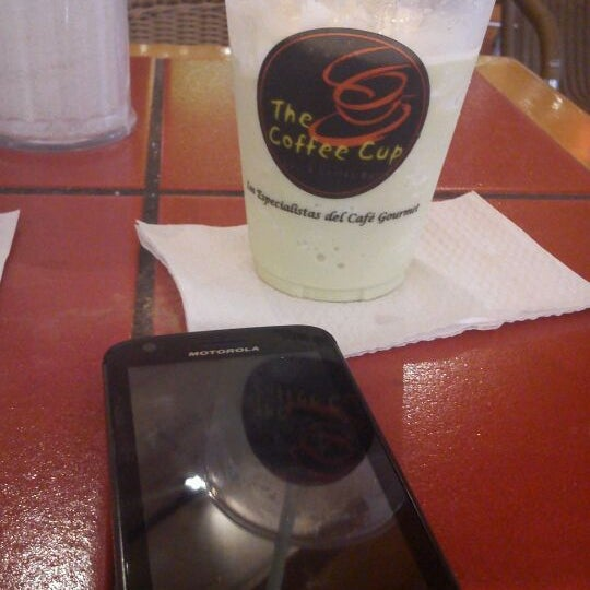 Photo taken at The Coffee Cup by Gerson Osuel M. on 2/25/2012