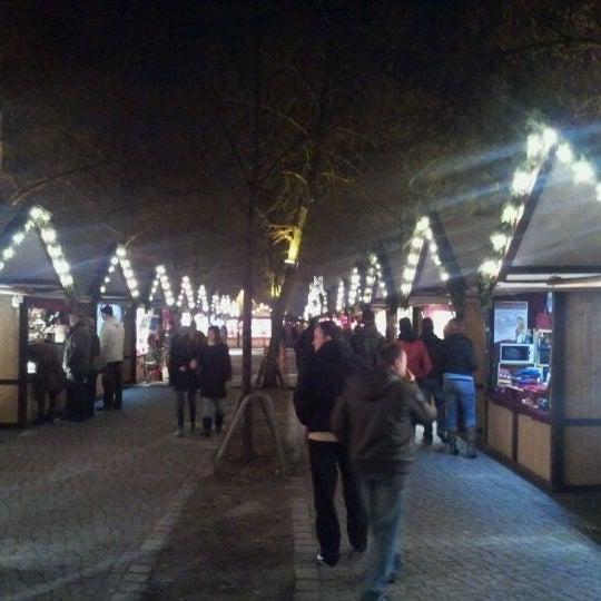 Photo taken at Weihnachtsmarkt vor dem Schloss Charlottenburg by Thomas A. on 11/22/2011