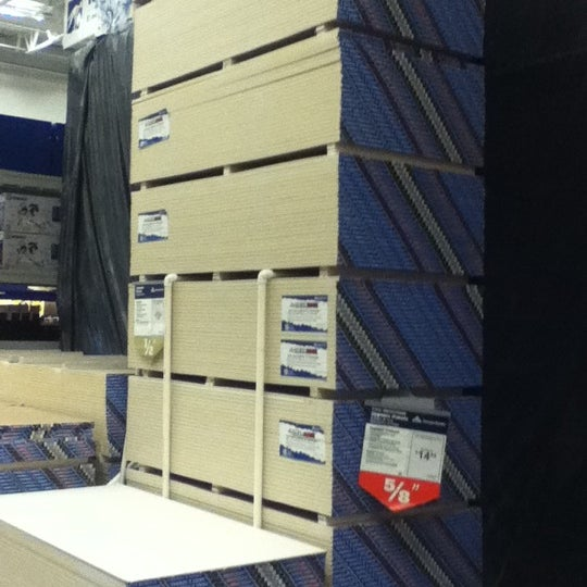 Photo taken at Lowe's Home Improvement by Alex R. on 9/11/2012