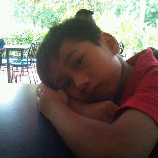 Photo taken at Al Salam Bistro by Muhammad N. on 9/30/2011