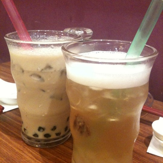 Photo taken at Xian Ding Wei Taiwanese Tea Room by KL W. on 1/18/2011