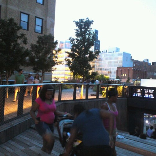 Photo taken at High Line 10th Ave Amphitheatre by BT h. on 8/17/2012