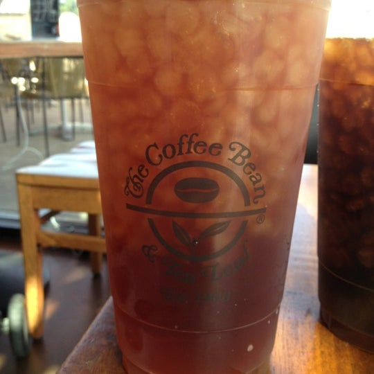 Photo taken at The Coffee Bean & Tea Leaf by Ryan M. on 7/28/2012