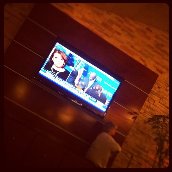 Photo taken at Four Points by Sheraton Los Angeles International Airport by Pu'unui W. on 11/5/2011