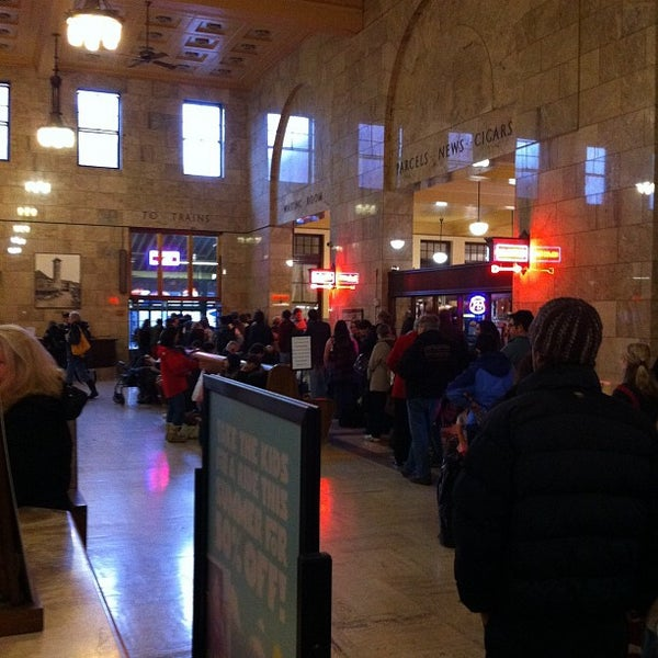 Photo taken at Union Station Amtrak (PDX) by hizKNITS S. on 11/23/2011