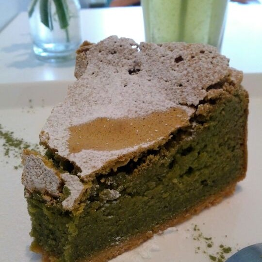 The green tea gateau is dreamy.