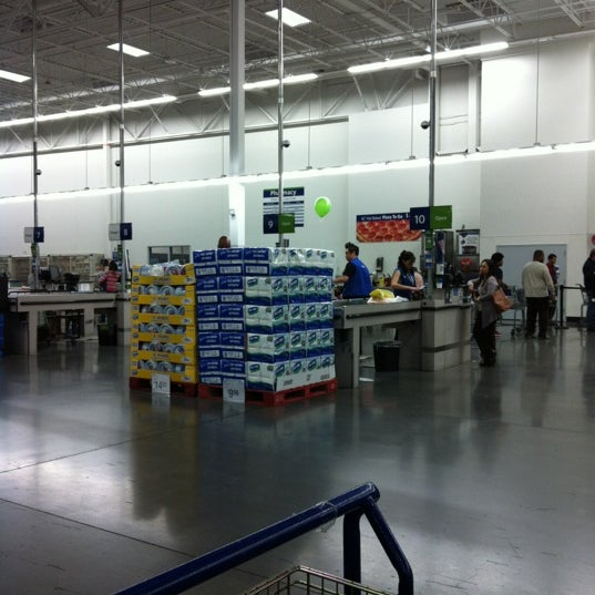 Photo taken at Sam's Club by Avery C. on 1/20/2012