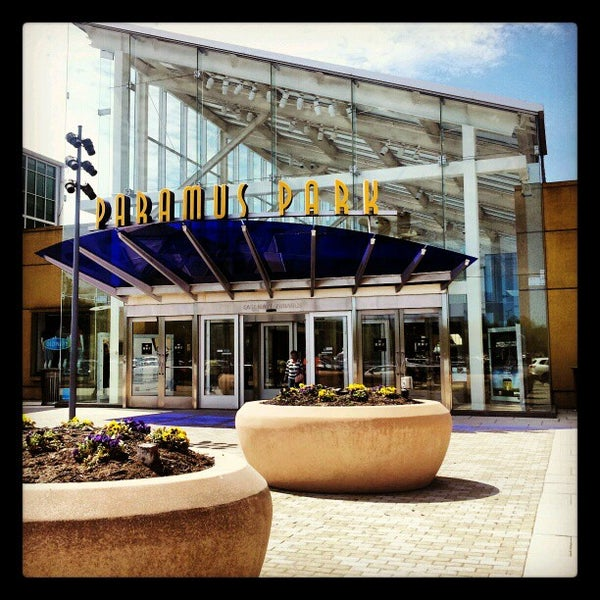 Paramus park mall paramus nj for Garden state plaza mall paramus nj