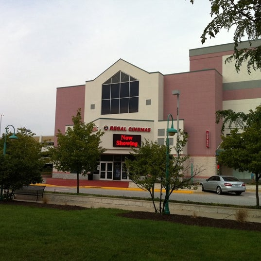 Photo taken at Regal Fairfax Towne Center 10 by GreatStoneFace on 8/2/2011