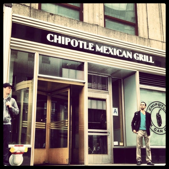 Photo taken at Chipotle Mexican Grill by Erik S. on 5/16/2012