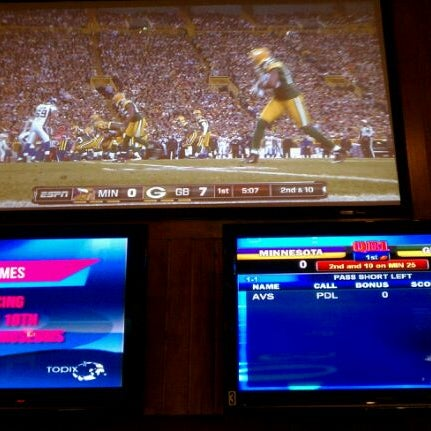 Photo taken at Buffalo Wild Wings by Brad T. on 11/15/2011