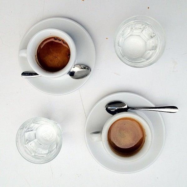 Photo taken at Bonanza Coffee Heroes by bosch on 5/31/2012