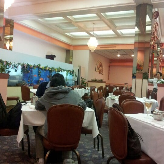 Photo taken at Canton Dim Sum & Seafood Restaurant by Gabriele A. on 8/4/2012