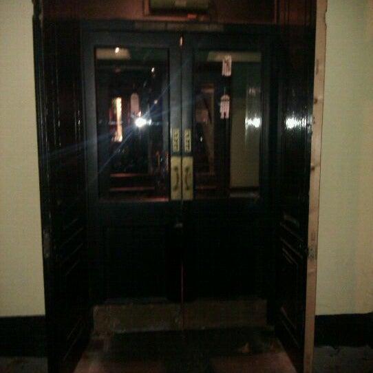 Photo taken at Trafalgar Tavern by Lee H. on 11/22/2011