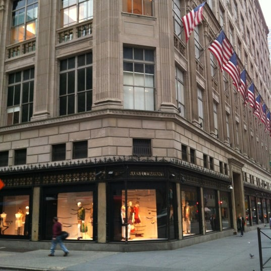 Saks fifth avenue midtown east new york ny for 10 east 39th street 8th floor new york ny 10016