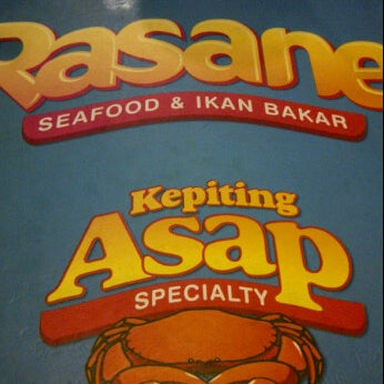 Photo taken at Rasane Seafood & Ikan Bakar by Billy H. on 7/4/2012