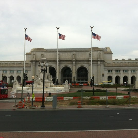 union station bus terminal bus station in noma. Black Bedroom Furniture Sets. Home Design Ideas
