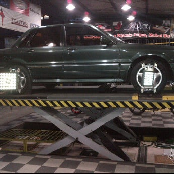 Photo taken at Jogja Speed Auto Care by Maududi on 5/21/2012