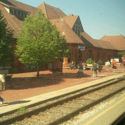 Photo taken at Kalamazoo Transportation Center - Amtrak (KAL) by Alex C. on 7/28/2012