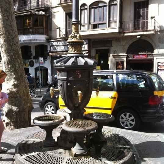 Photo taken at Font de Canaletes by Demetrio Z. on 4/30/2012